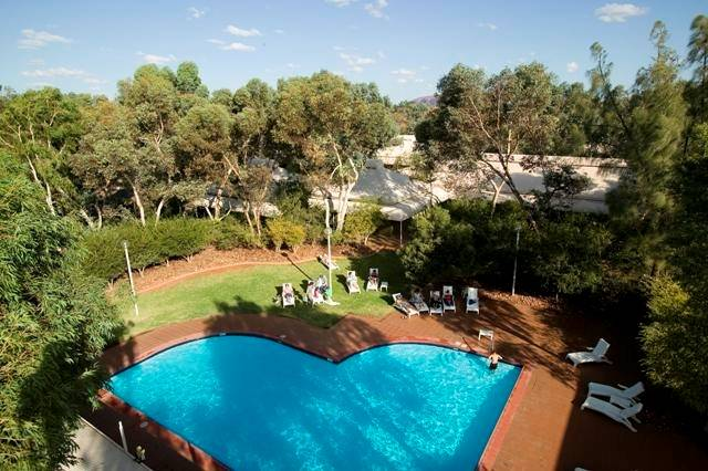 Outback Pioneer Hotel - C Tourism