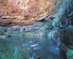 Dales Gorge and Circular Pool - C Tourism