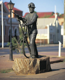Miners Monument - C Tourism