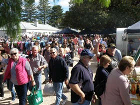 Stansbury Seaside Markets - C Tourism