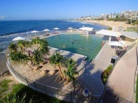 Kings Beach - Beachfront Salt Water Pool - C Tourism